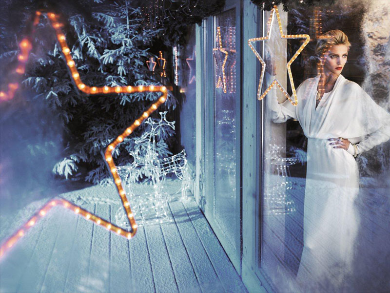 anja rubik apart christmas7 Anja Rubik Cozies up to Husband in Aparts Christmas 2013 Ads