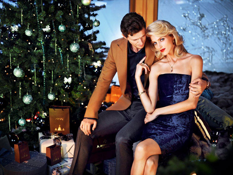 anja rubik apart christmas9 Anja Rubik Cozies up to Husband in Aparts Christmas 2013 Ads