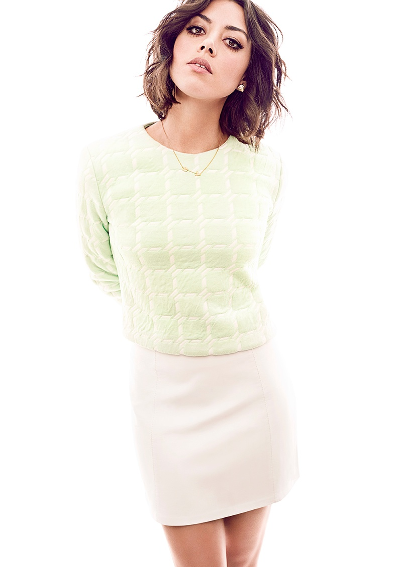 aubrey plaza5 Aubrey Plaza Poses for Chris Nicholls in Glow Winter 2014