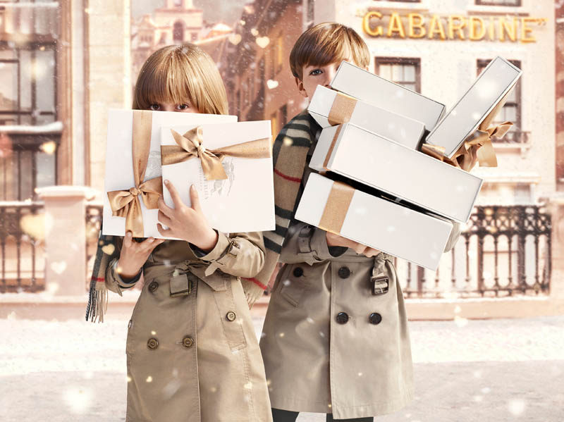 burberry with love1 Burberry Gets Festive for Burberry With Love Campaign