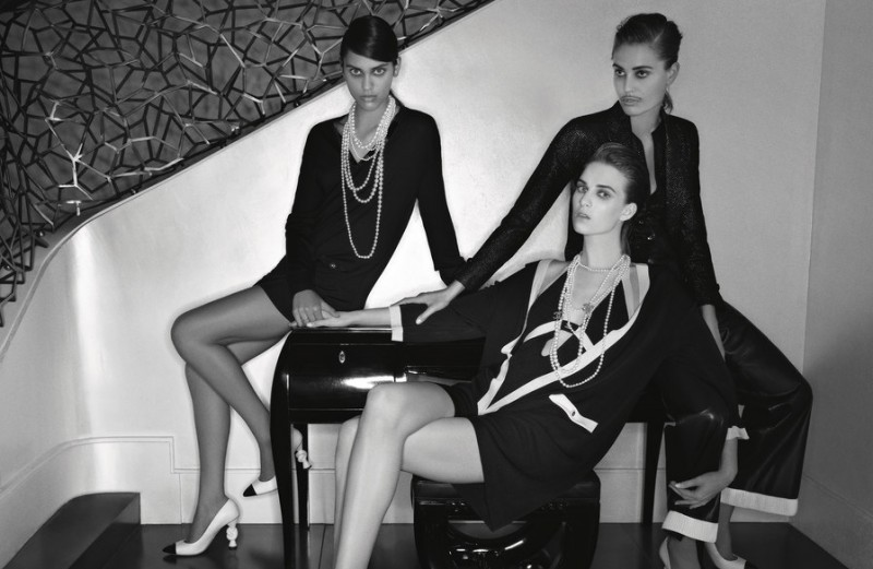 chanel cruise 2014 ads1 800x521 Karl Lagerfeld Shoots Chanels Cruise 2014 Campaign