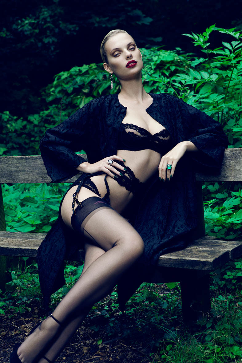 dioni tabbers model3 Dioni Tabbers Gets Sultry for LOfficiel Ukraine Shoot by Jenny Brough