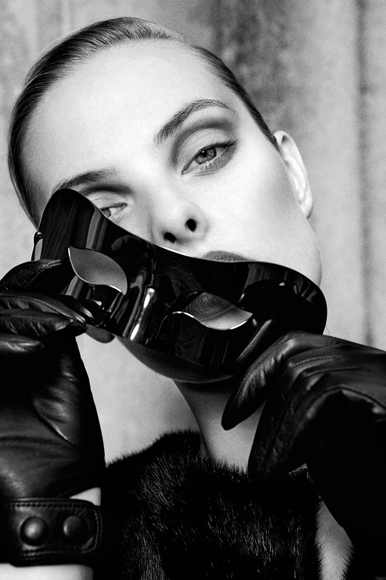dioni tabbers model9 Dioni Tabbers Gets Sultry for LOfficiel Ukraine Shoot by Jenny Brough