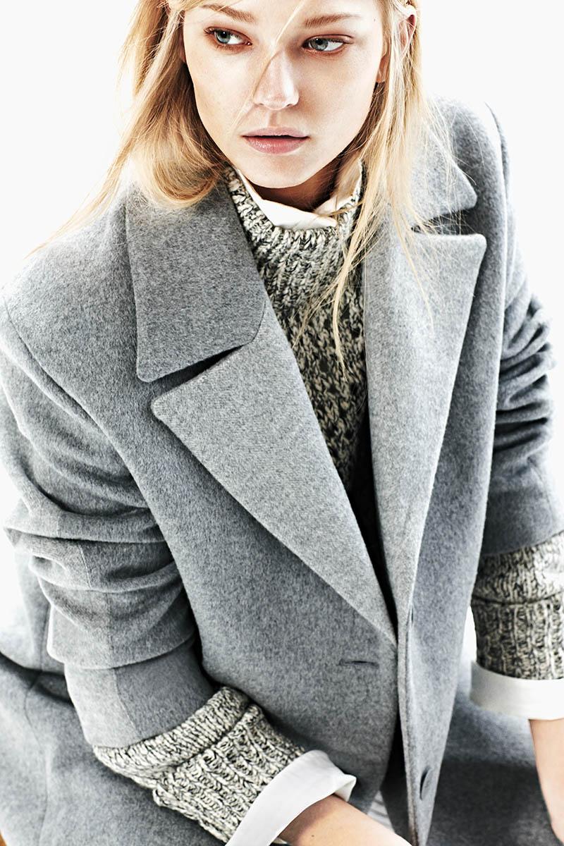emeza campaign1 Johanna Jonsson Wears Designer Fashions in EMEZA Campaign