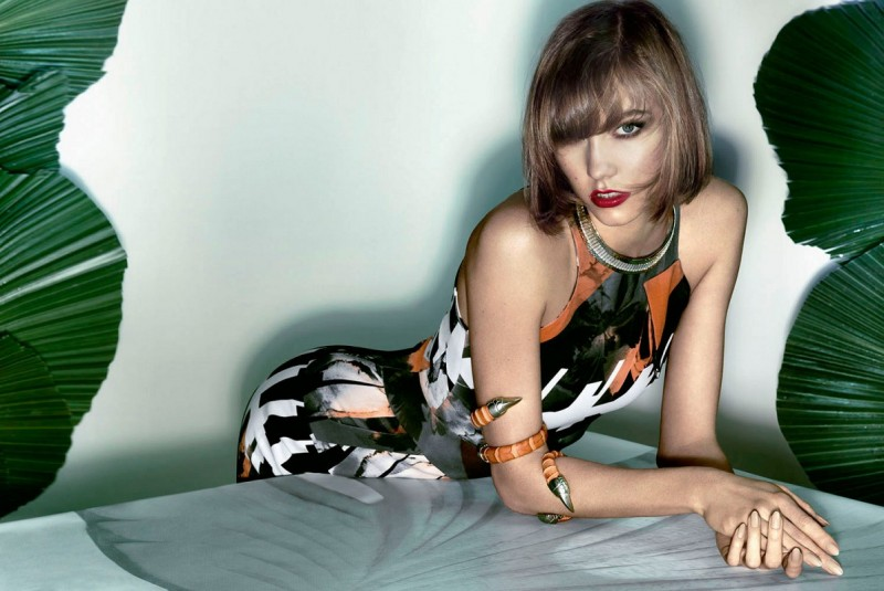 karlie kloss pictures2 800x535 Karlie Kloss Sizzles in Vogue Brazil Spread by Henrique Gendre