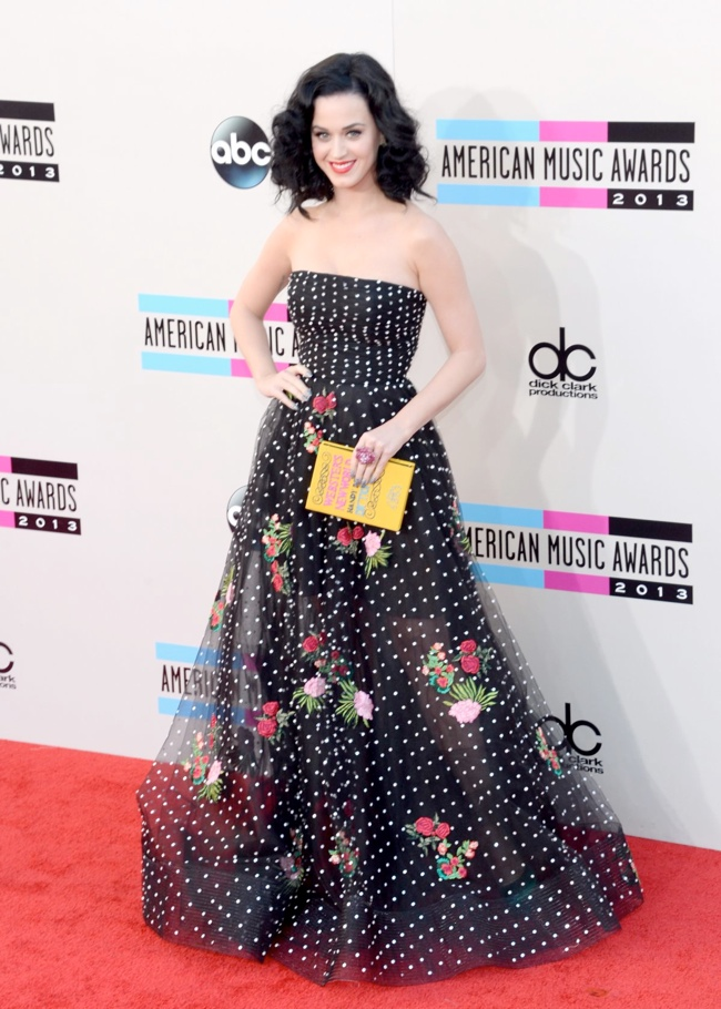 katy oscar de la renta Taylor Swift, Katy Perry, Miley Cyrus + More Star Style at the 2013 AMAs