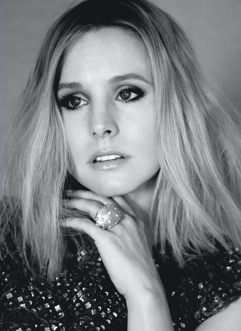 kristen bell1 Kristen Bell Stars in FLAREs December 2013 Cover Shoot