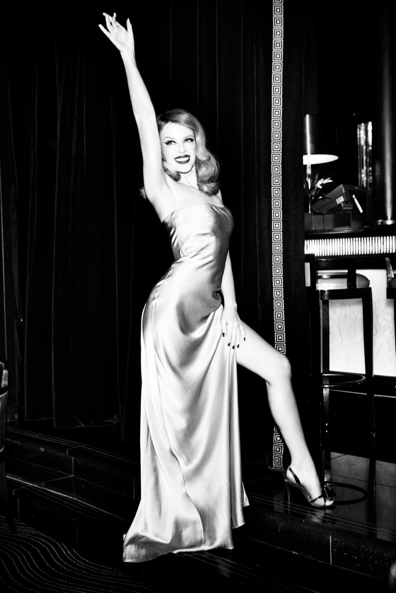 kylie minogue pictures2 Kylie Minogue Charms for Ellen von Unwerth in GQ Shoot