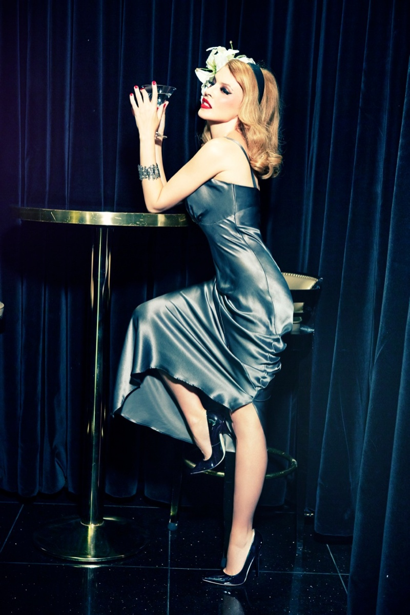 kylie minogue pictures3 Kylie Minogue Charms for Ellen von Unwerth in GQ Shoot