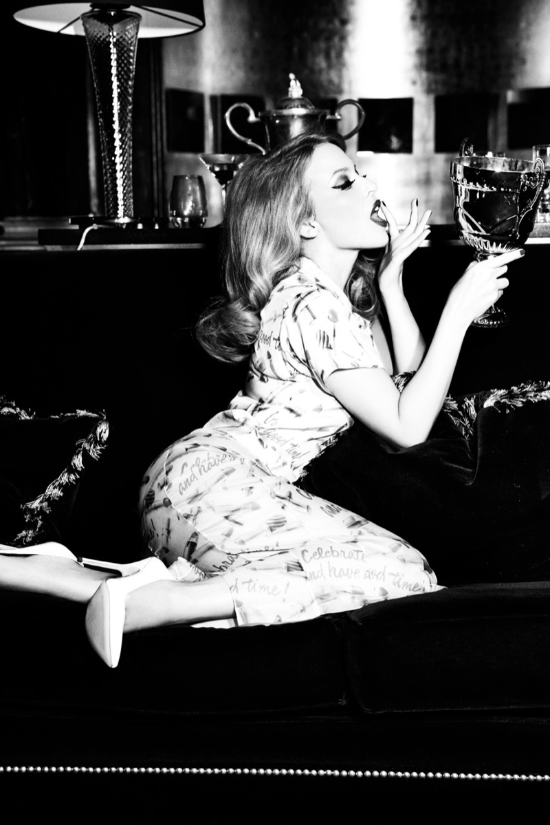 kylie minogue pictures7 Kylie Minogue Charms for Ellen von Unwerth in GQ Shoot