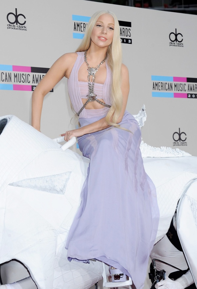 lady gaga amas dress Taylor Swift, Katy Perry, Miley Cyrus + More Star Style at the 2013 AMAs
