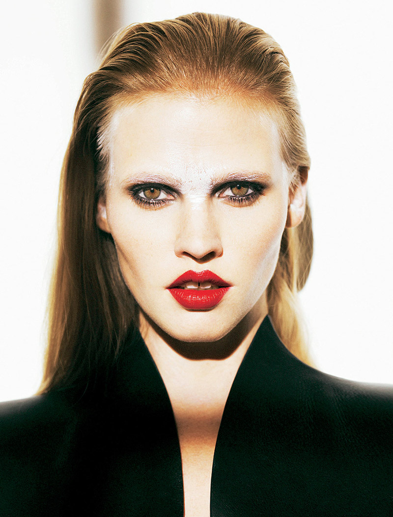 lara stone pictures6 Lara Stone Wows in New Shoot for Madame Figaro by Nico