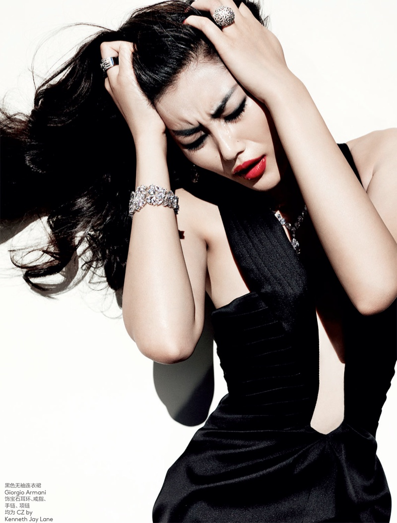 liu wen mario testino15 Liu Wen Wows for Mario Testino in 10th Anniversary Issue of Vogue China