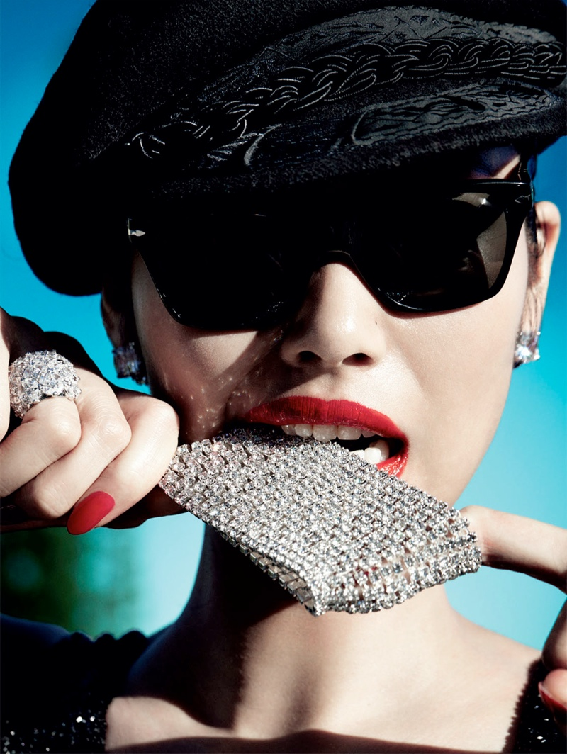 liu wen mario testino3 Liu Wen Wows for Mario Testino in 10th Anniversary Issue of Vogue China