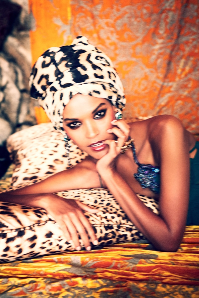 liya kebede model6 Liya Kebede Dazzles for Ellen von Unwerth in The Sunday Times Style