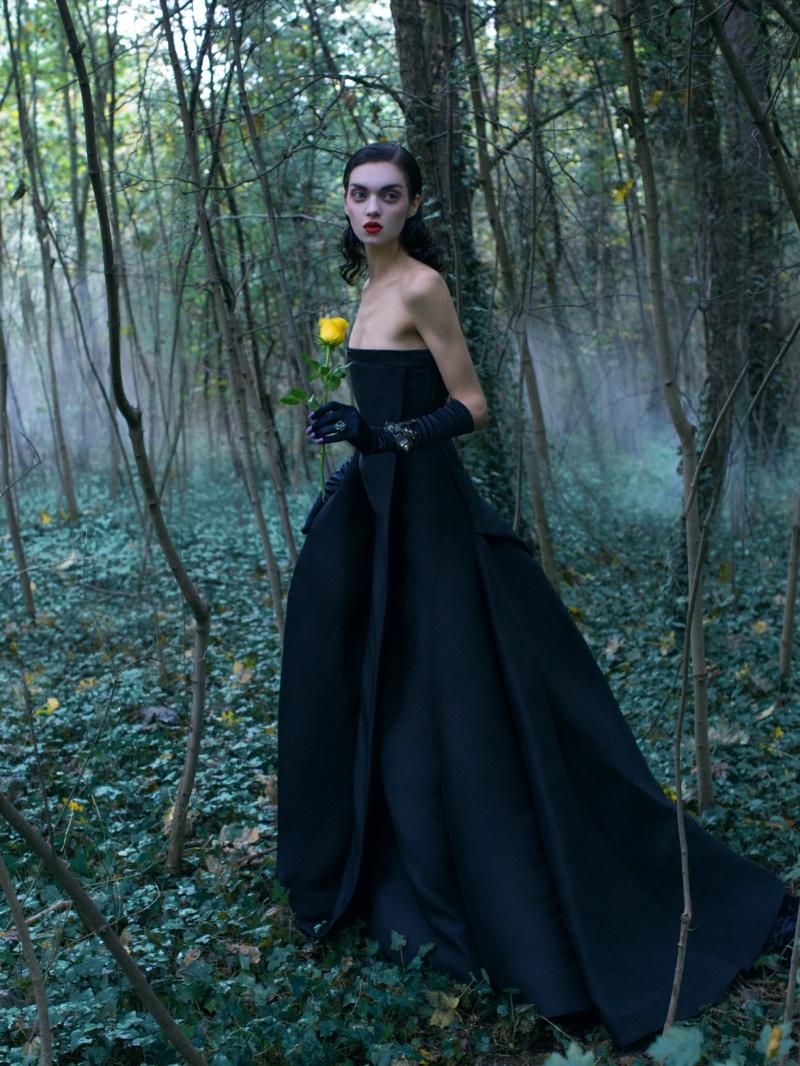 Magda Laguinge Enchants in Couture for Jumbo Tsui in Harper's Bazaar China