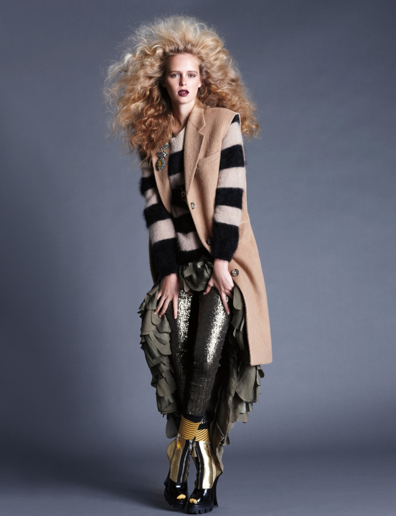 masha markina1 Masha Markina Wears Fall Style for Diego Uchitel in D Magazine