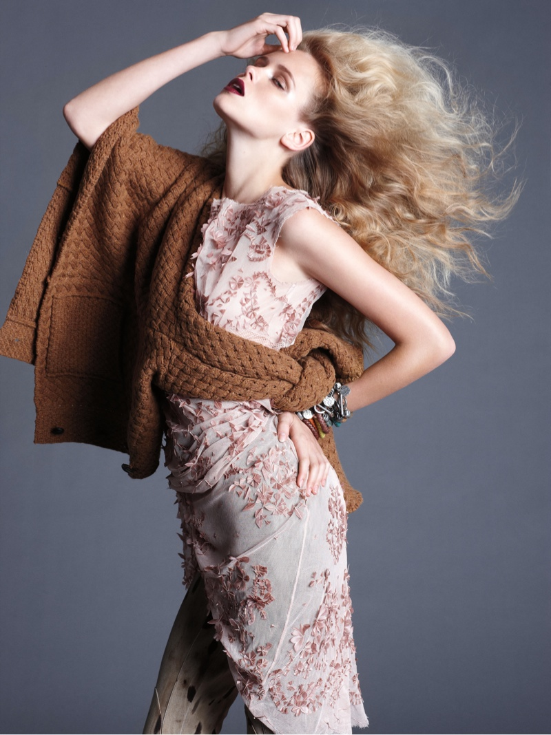 masha markina2 Masha Markina Wears Fall Style for Diego Uchitel in D Magazine