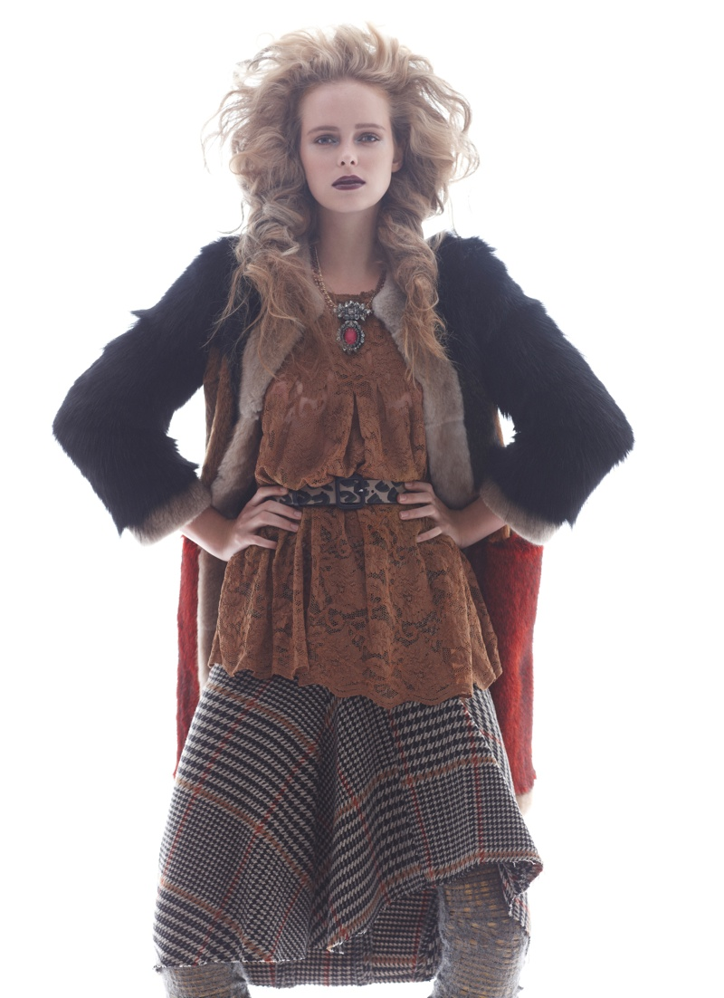 masha markina7 Masha Markina Wears Fall Style for Diego Uchitel in D Magazine