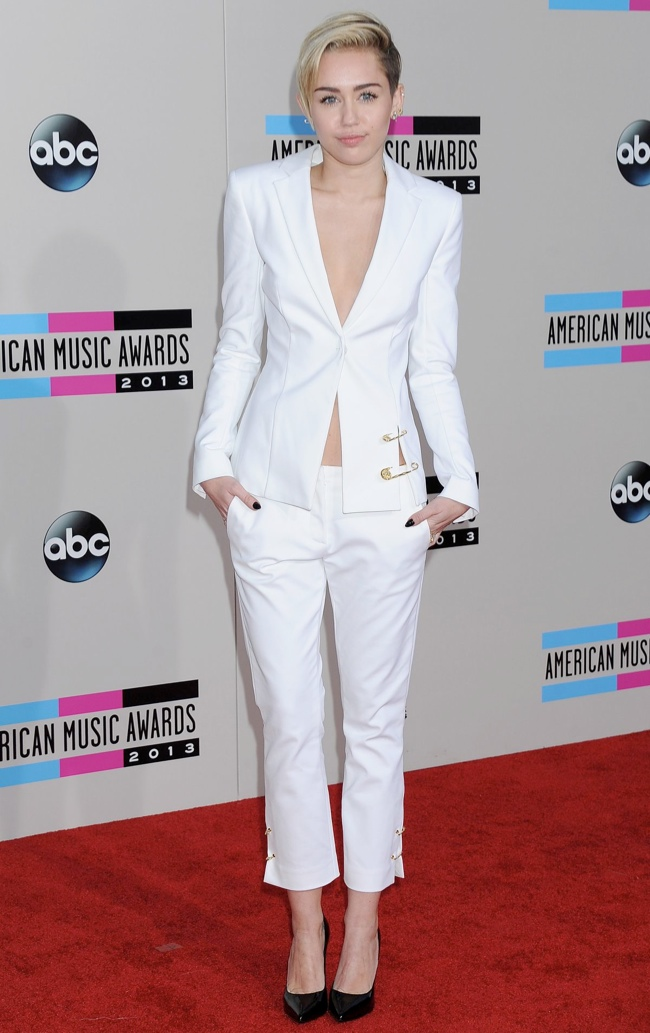 miley versus versace Taylor Swift, Katy Perry, Miley Cyrus + More Star Style at the 2013 AMAs