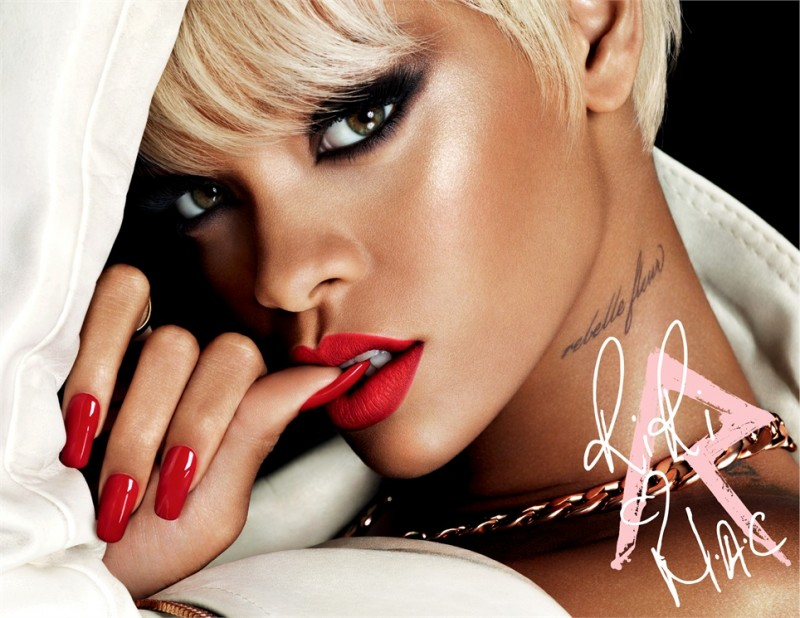 rihanna mac news 800x618 Versace, Miley Cyrus, Michael Kors Amongst Top 2013 Google Searches