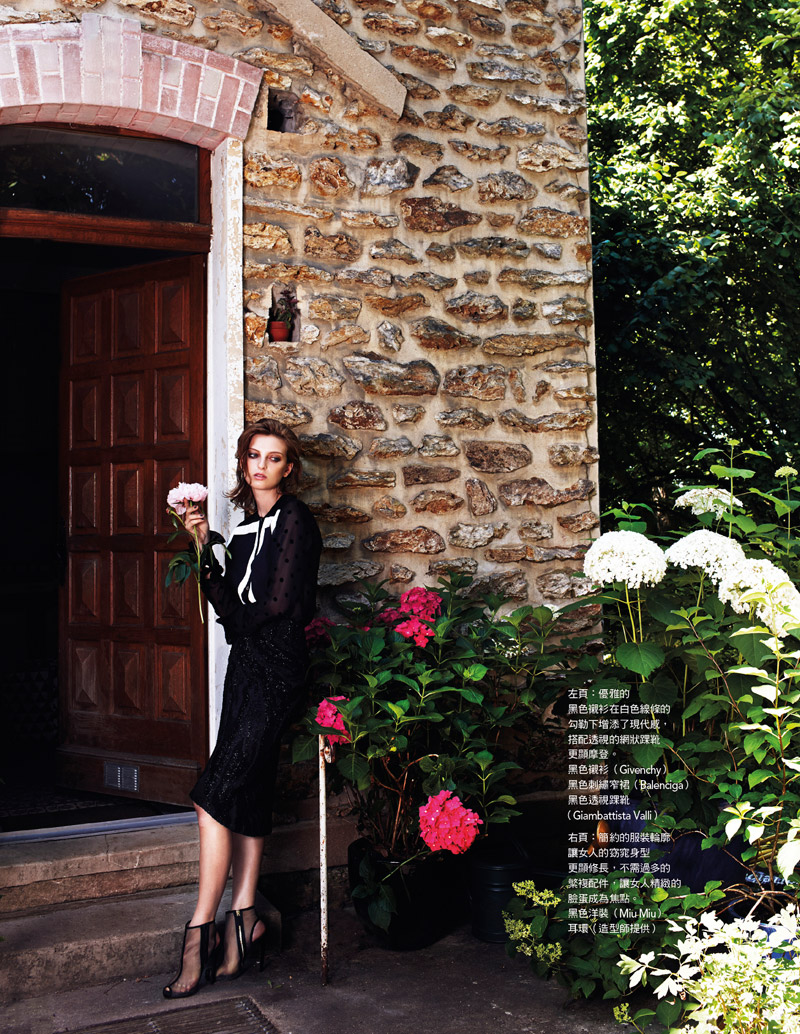 rose smith naomi yang2 Rose Smith is Sultry in Black for Vogue Taiwan by Naomi Yang