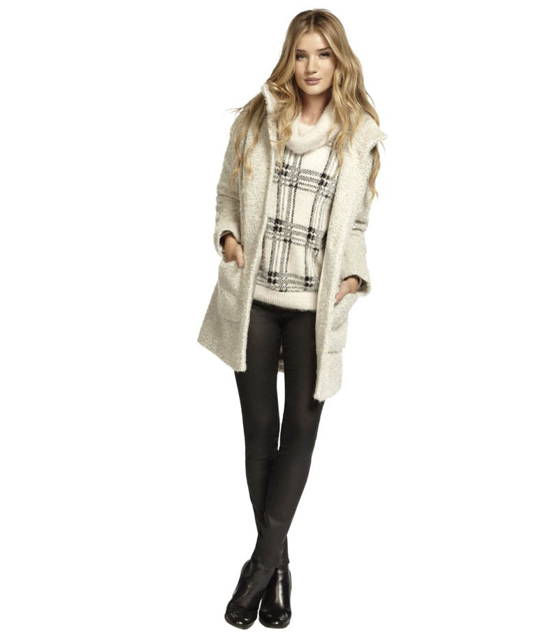 rosie marks spencer3 Rosie Huntington Whiteley Stars in Marks & Spencers Christmas Campaign
