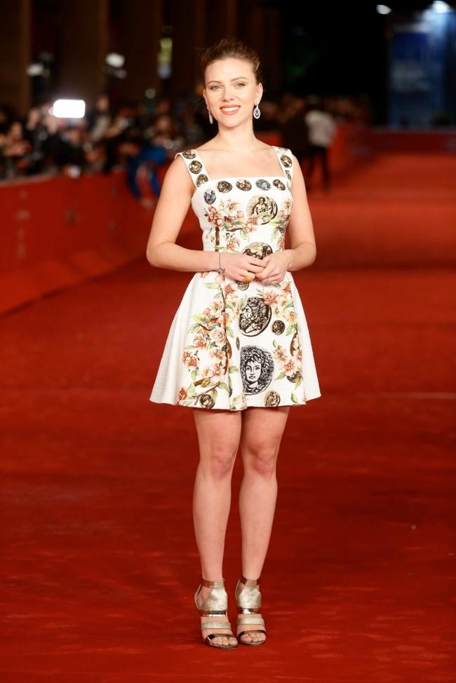 Scarlett Johansson Wears Dolce & Gabbana at the 8th Rome Film Festival