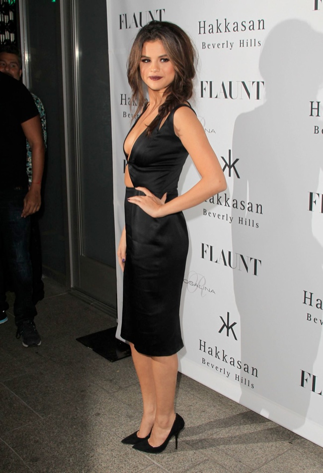 selena gomez cushie et ochs dress2 Selena Gomez Wears Cushie et Ochs at Flaunt Magazine Event