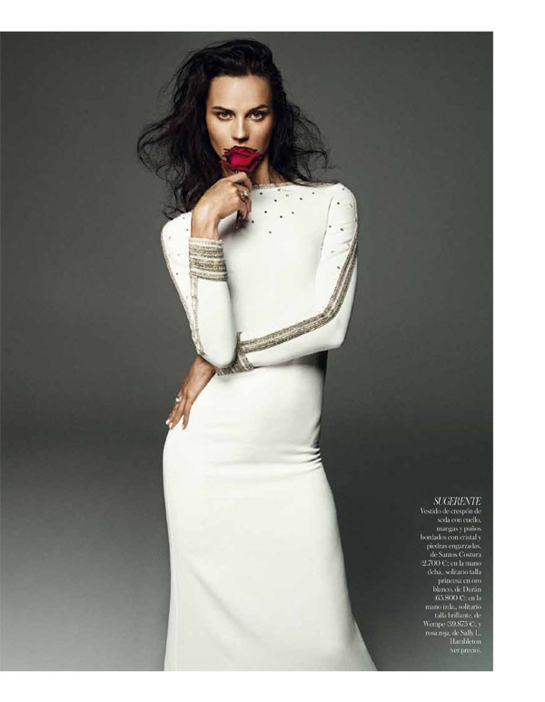 vogue brides alvaro4 Egle Tvirbutaite Poses for Alvaro Beamud Cortes in Vogue Spain Brides