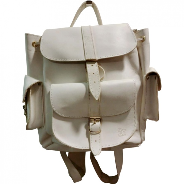 white backpack The Perfect Outfit at Vestiaire Collective