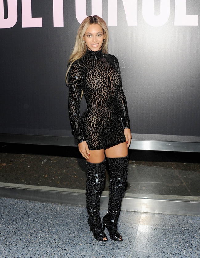 BEYONCE TOM FORD DRESS3 Beyoncé Shows Off Curves in Tom Ford at NY Album Release