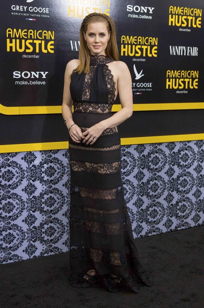 """Amy Adams Wears Elie Saab at the """"American Hustle"""" New York Premiere"""