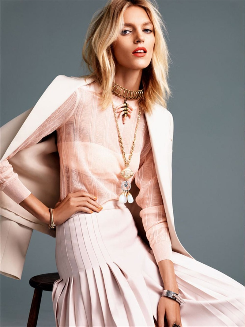 anja rubik photo shoot9 Anja Rubik Gets Sunny for Vogue Korea Shoot by Alexi Lubomirski