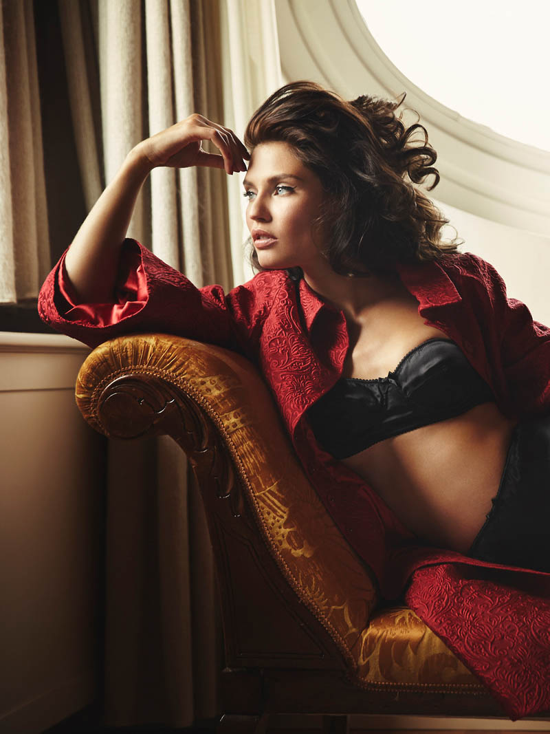 bianca lingerie shoot6 Bianca Balti Stuns in Dolce & Gabbana for Esquire Mexico