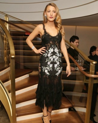 blake lively marchesa dress1 326x406 Kristen Stewart to Star in Upcoming Chanel Campaign