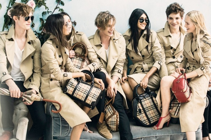 burberry spring 2014 campaign3 800x532 Burberry Launches Spring 2014 Ads with Malaika Firth + More