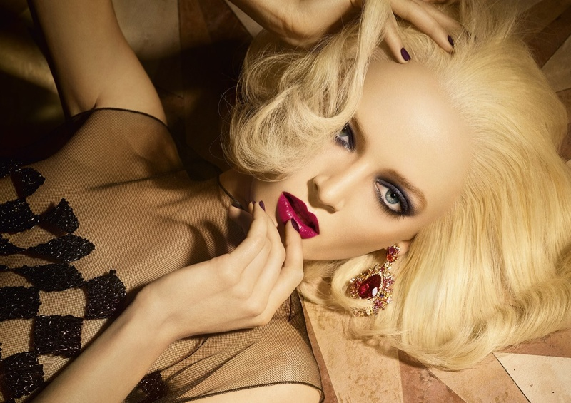 dior golden christmas1 Daria Strokous Shines in Dior Christmas Makeup Ads