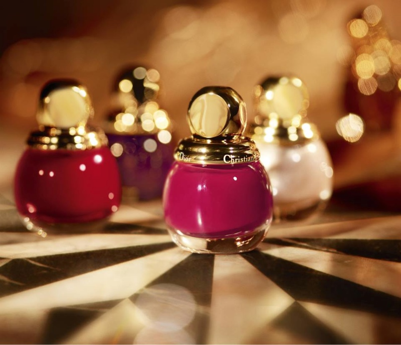 dior golden christmas4 Daria Strokous Shines in Dior Christmas Makeup Ads