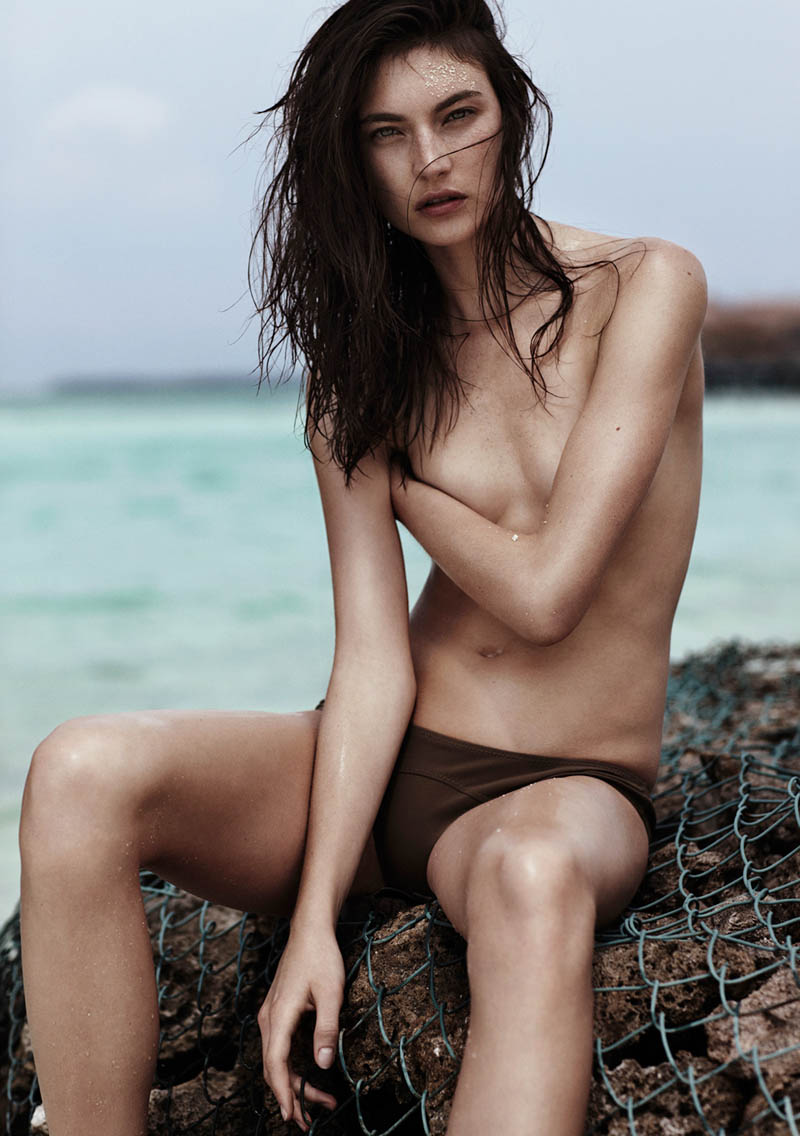emma tempest beach10 Jacquelyn Jablonski Hits the Beach for Vogue Russia by Emma Tempest