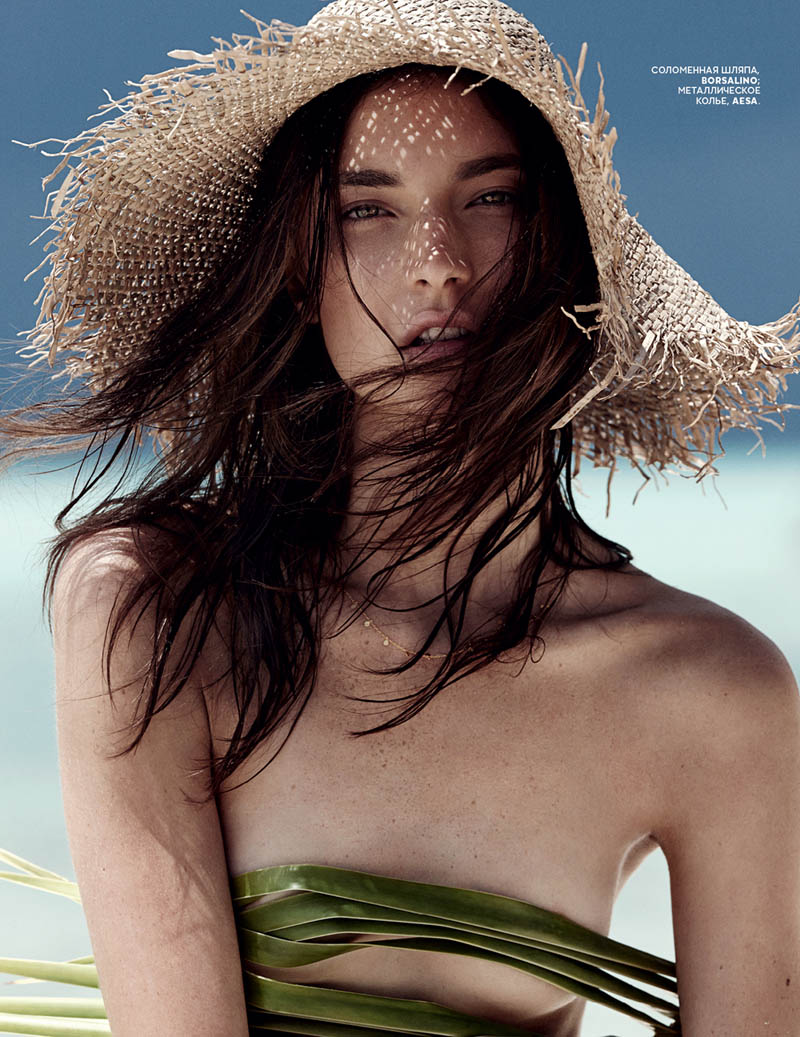 emma tempest beach11 Jacquelyn Jablonski Hits the Beach for Vogue Russia by Emma Tempest