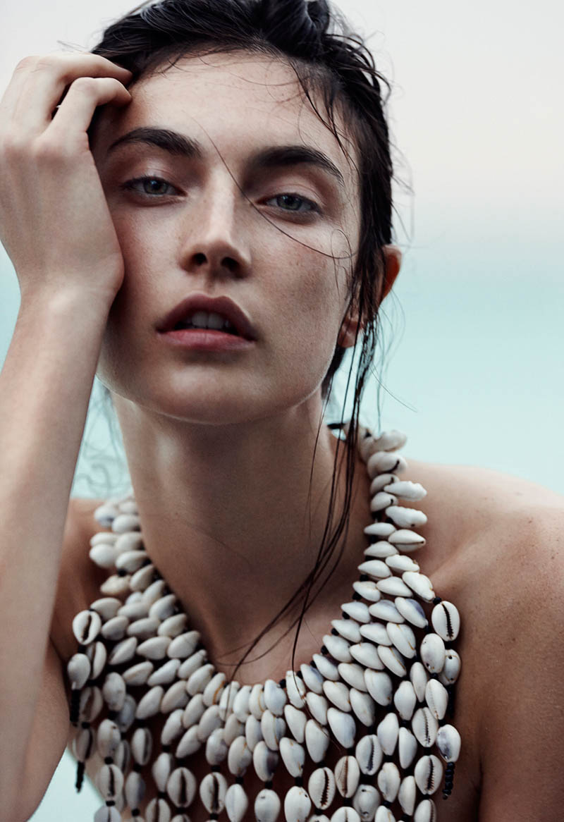 emma tempest beach3 Jacquelyn Jablonski Hits the Beach for Vogue Russia by Emma Tempest