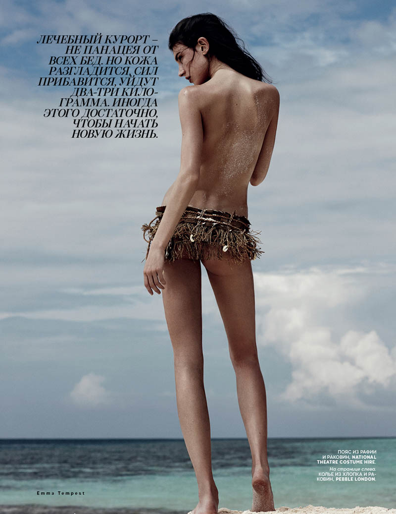 emma tempest beach4 Jacquelyn Jablonski Hits the Beach for Vogue Russia by Emma Tempest