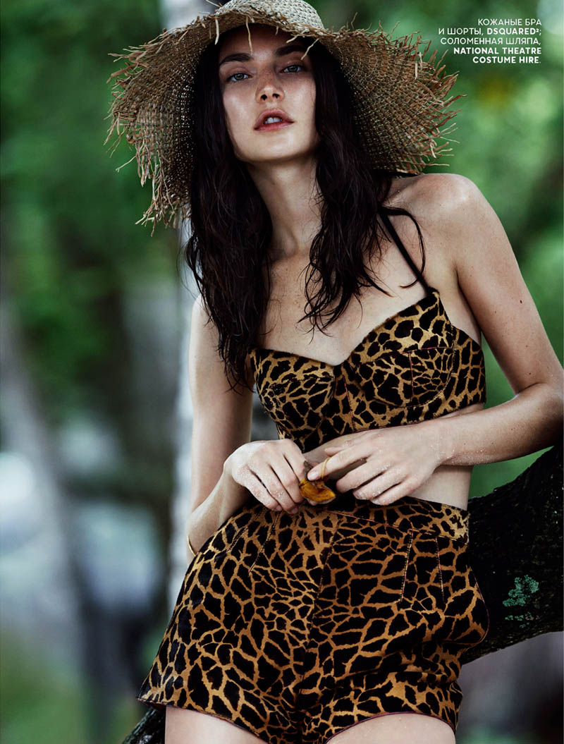 emma tempest beach7 Jacquelyn Jablonski Hits the Beach for Vogue Russia by Emma Tempest