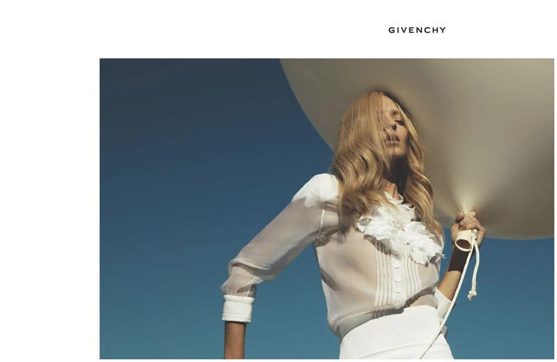 Throwback Thursday | Mariacarla Boscono for Givenchy Spring 2006 Campaign