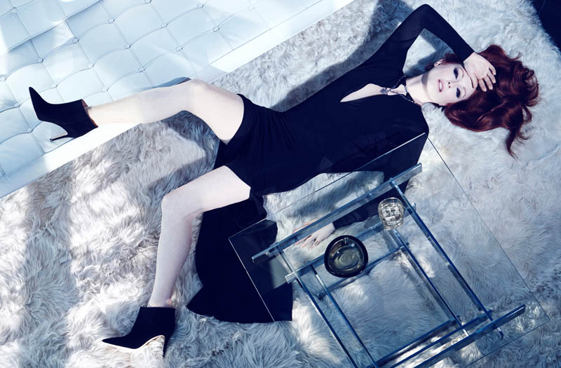 julianne moore shoot1 Julianne Moore Seduces for The Edit, Talks Style & Tom Ford