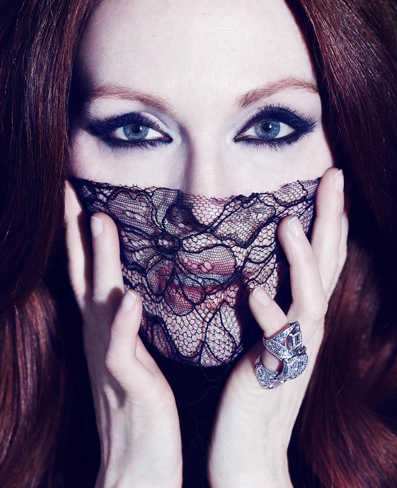 julianne moore shoot5 Julianne Moore Seduces for The Edit, Talks Style & Tom Ford