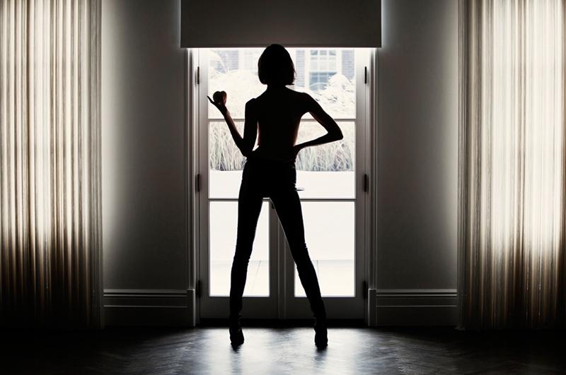Karlie Kloss Seduces in Tamara Mellon Film