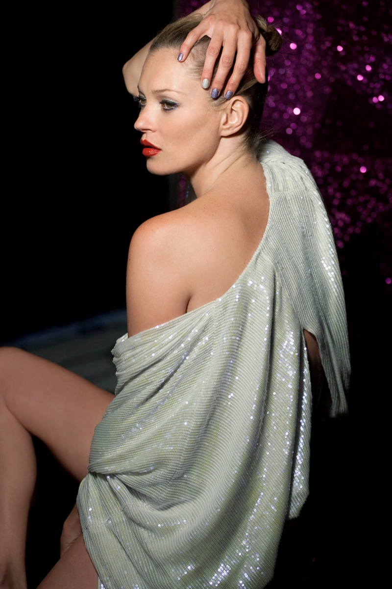 kate moss rimmel holiday2 Kate Moss Stars in Rimmel Londons Out of This World Christmas Campaign