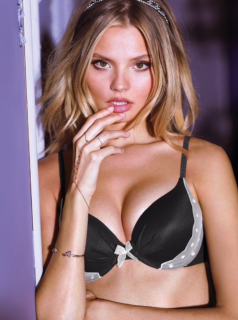 magdalena victorias secret 13 Magdalena Frackowiak Gets Sultry in Victorias Secret Shoot